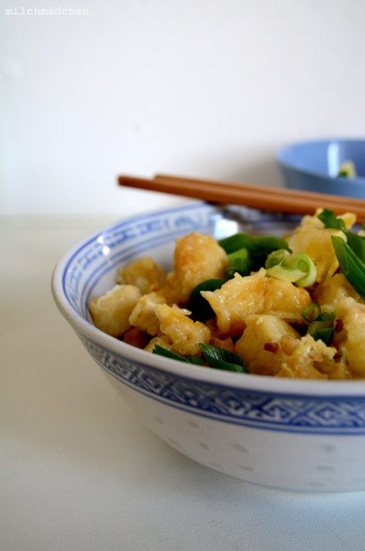 Vollendet-veredelter Bohnenquark: Tofu nach Art des Nordens & süß-saure Gurken