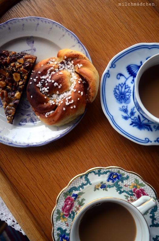 Kanelbullar im Café Lantligt 1785 auf Ekholmens Gård | milchmädchen.