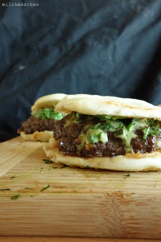 X'ian Smashed Lamb Burger | milchmädchen.