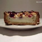 Versunken: Cranberry-Creme-Tarte mit Krokant und Zucker