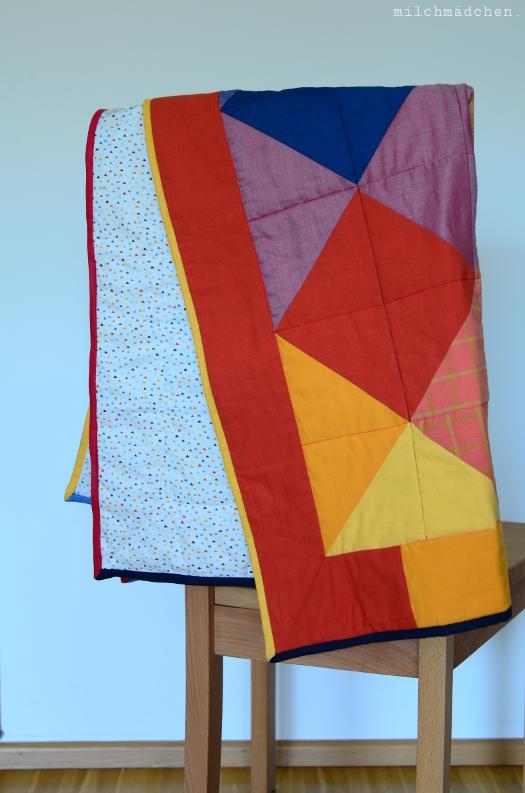 Babykram: Quasi-Quilt in Rot und Gelb und Grün und Blau