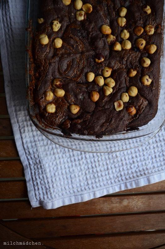 Brownies mit Sauerteig und Haselnusspraliné