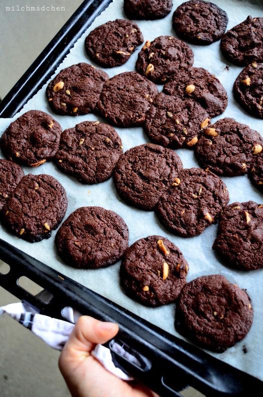 Suchtfaktor: hoch. Schoko-Nuss-Cookies mit Sauerteig