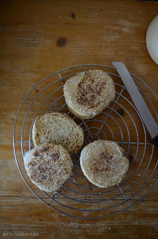 English Muffins mit Kartoffeln und Sauerteig | milchmädchen.