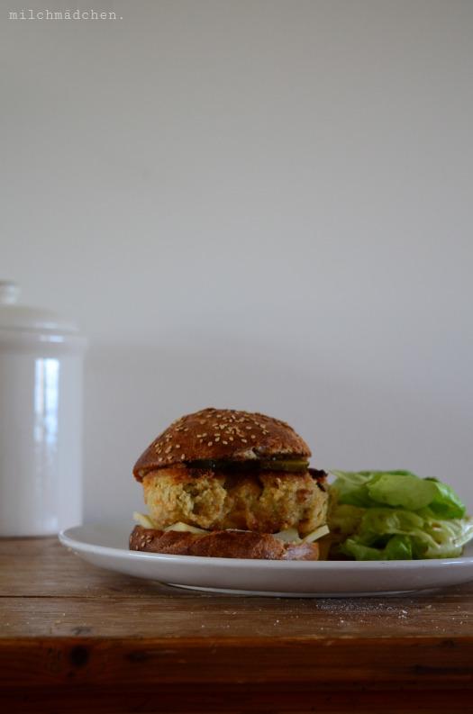 Seitan-Burger mit Sauerteig-Buns | milchmädchen.
