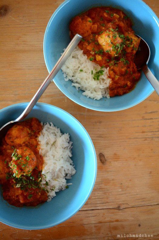 Sehr schnell sehr glücklich: Kichererbsenbällchen in Curry-Tomatensauce