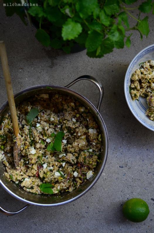 Hirsesalat mit Feta, Pistazien und Würzdressing | milchmädchen.