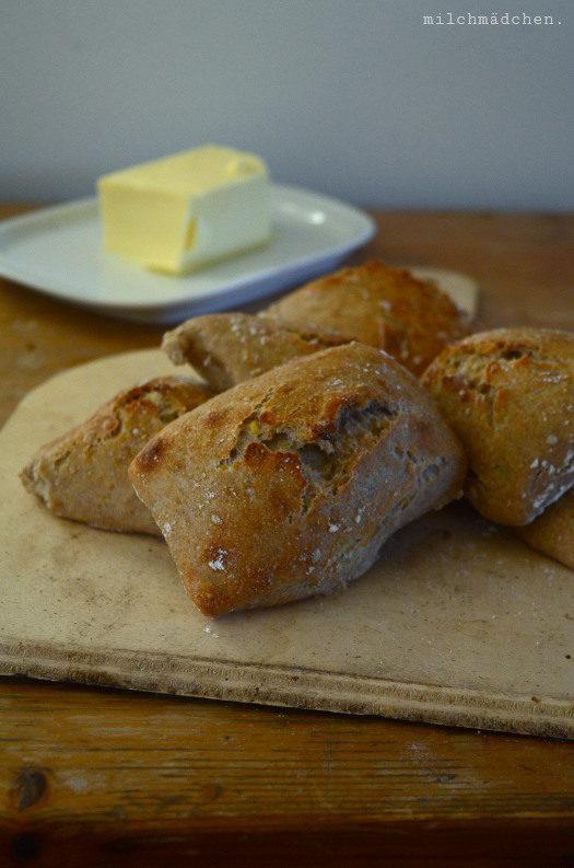 Latest craze: Knusprige Mischbrötchen mit Sauerteig und Kartoffeln