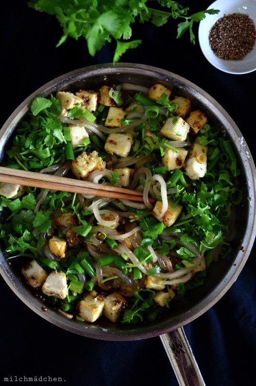 Pici auf Chinesisch, oder: Tǔdòu fěn, handgerollte Kartoffelstärkenudeln mit (oder ohne) Tofu und Bohnen