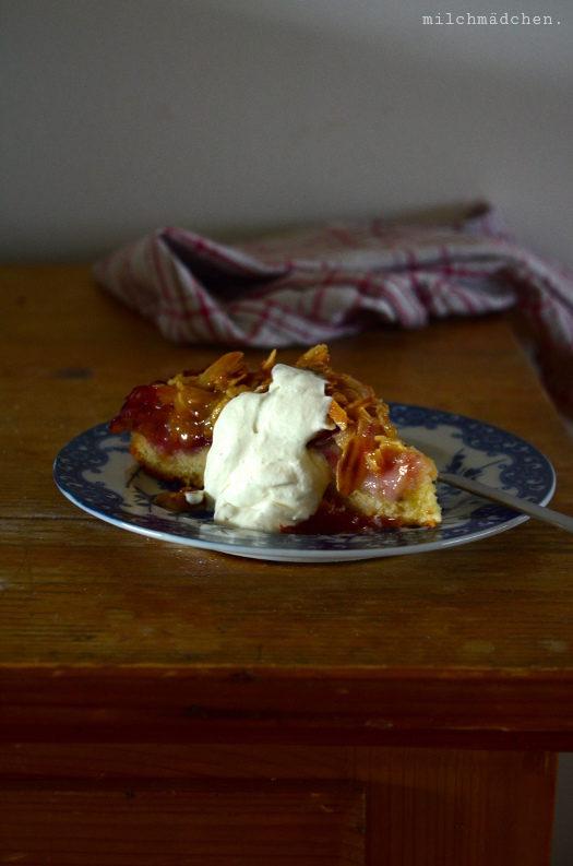 Innere Wärme: Spiced Plum Cake with Toffee Glaze nach David Lebovitz
