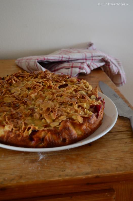 Spiced Plum Cake with Toffee-Glaze nach David Lebovitz | milchmädchen.